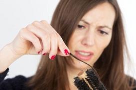 Nguyên nhân rụng tóc ở phụ nữ và cách chữa